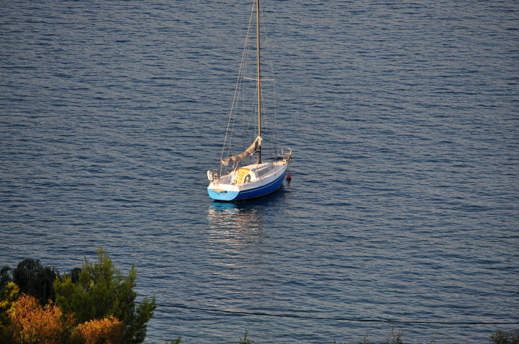 Holiday in Greece with Live-Bio - the sailing boat
