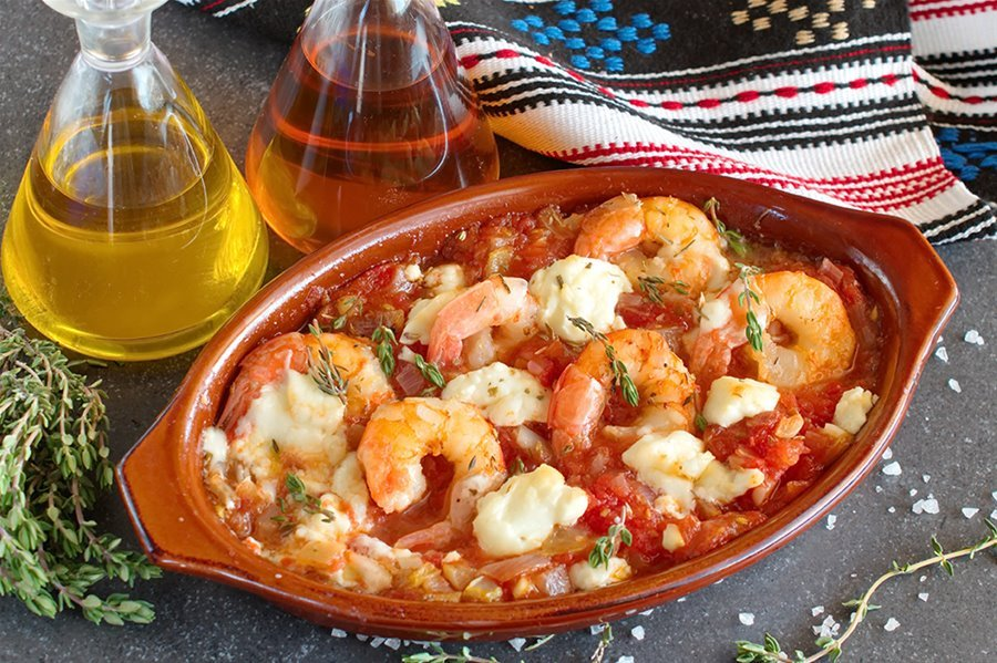 Garides saganaki (oven baked prawns) photo by Dimitris Skarmoutsos